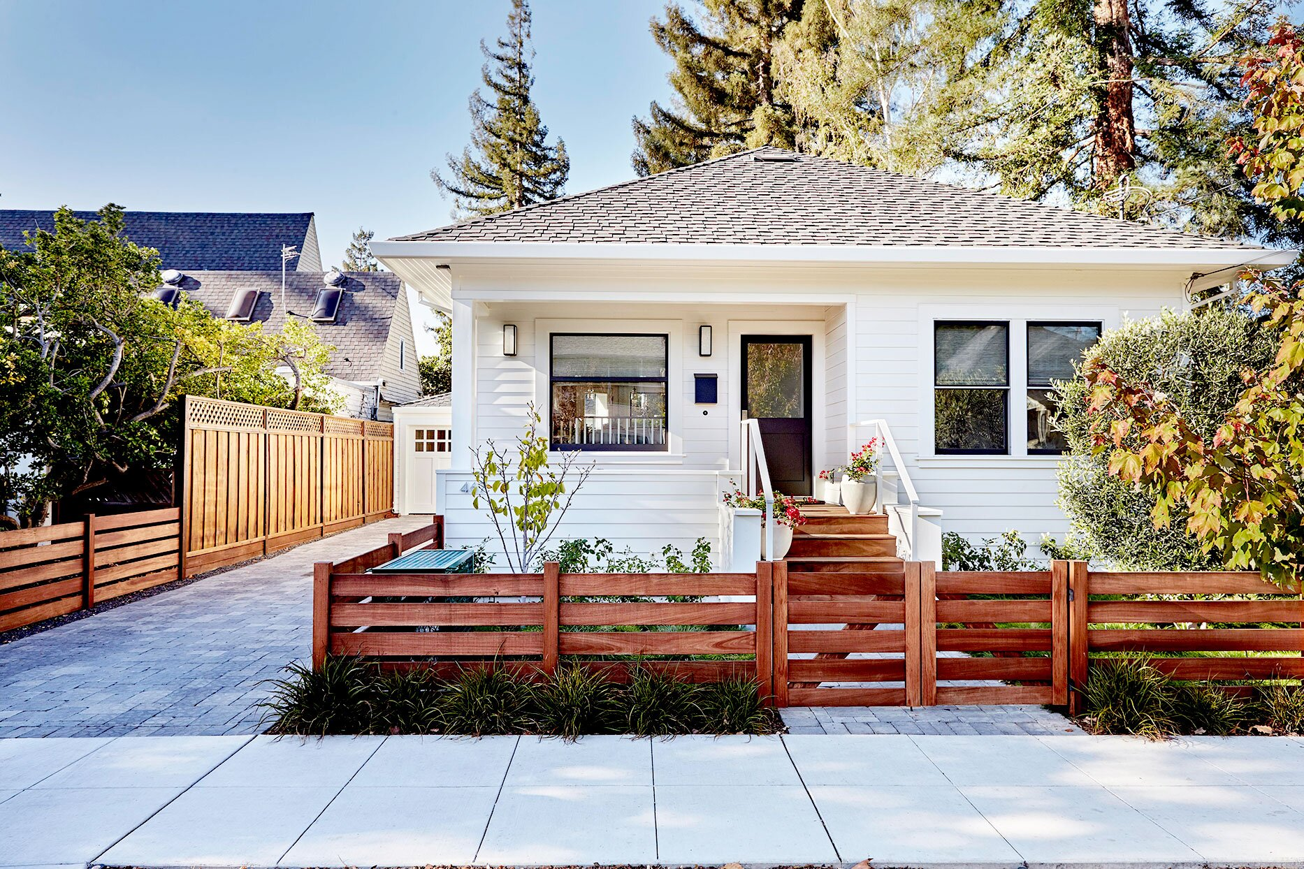 Why Should Fence Companies Offer Sustainable Building Material?